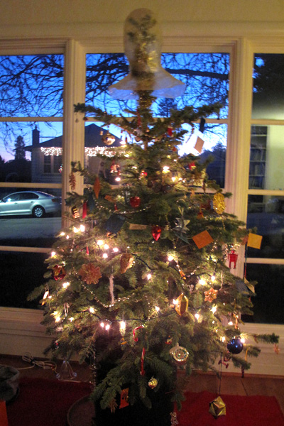 Tree-with-topper-2015