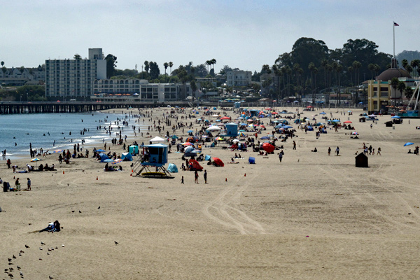 crowded-beach