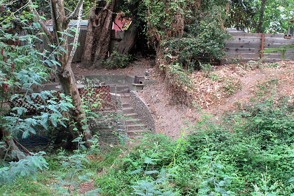 stairs-to-creek