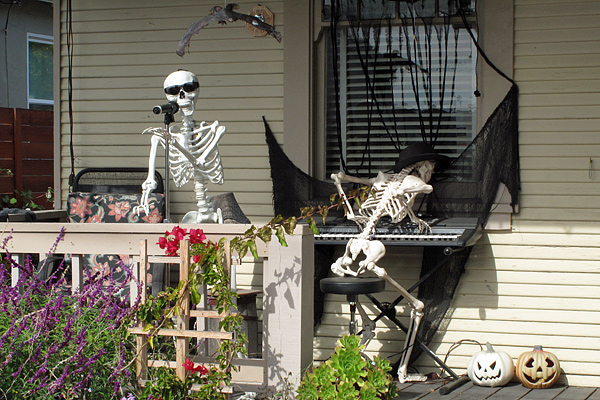 skeletal-musicians